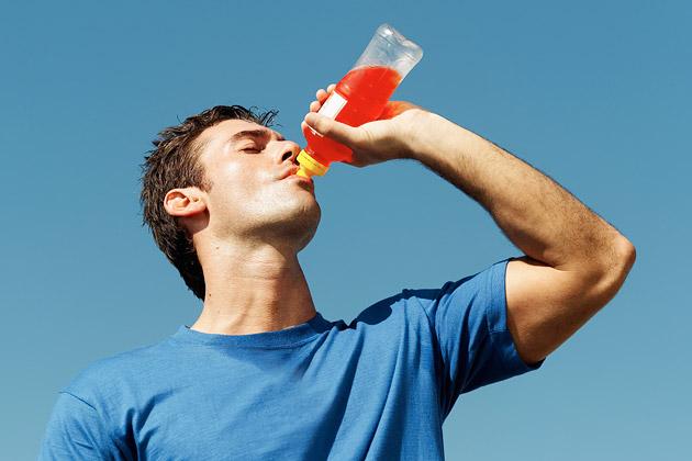 ممنوعیت تبلیغات نوشیدنی های انرژی زا